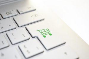 Sklep internetowy w modelu SaaS? Poznaj plusy i minusy